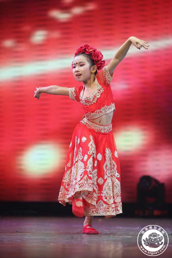 """《快乐的小猫》《可爱的小猪》 2014年1月参加""""百荷杯""""舞蹈大赛《快乐"""