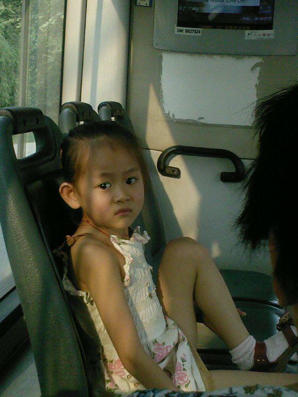 公车上的小美女!