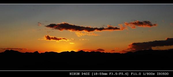 长城夕阳背景矢量图