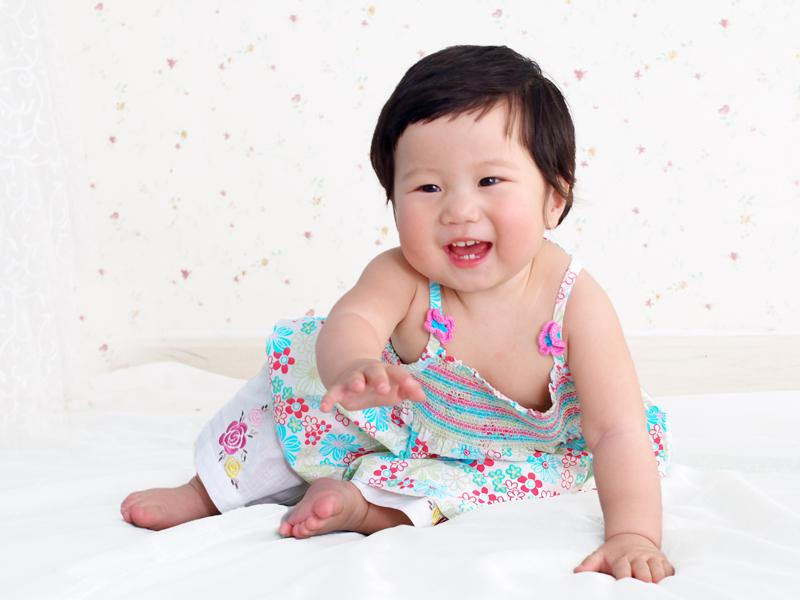 """发几张""""爱宝宝""""拍的一岁小可爱--(懂事儿)"""