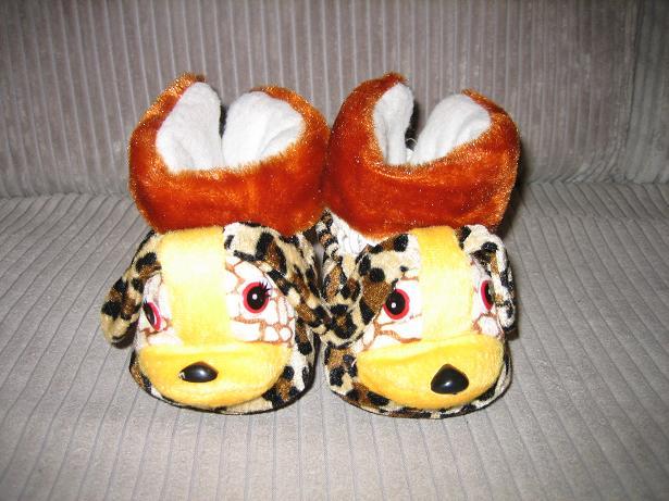 小宝宝老虎鞋还有2双兔兔鞋