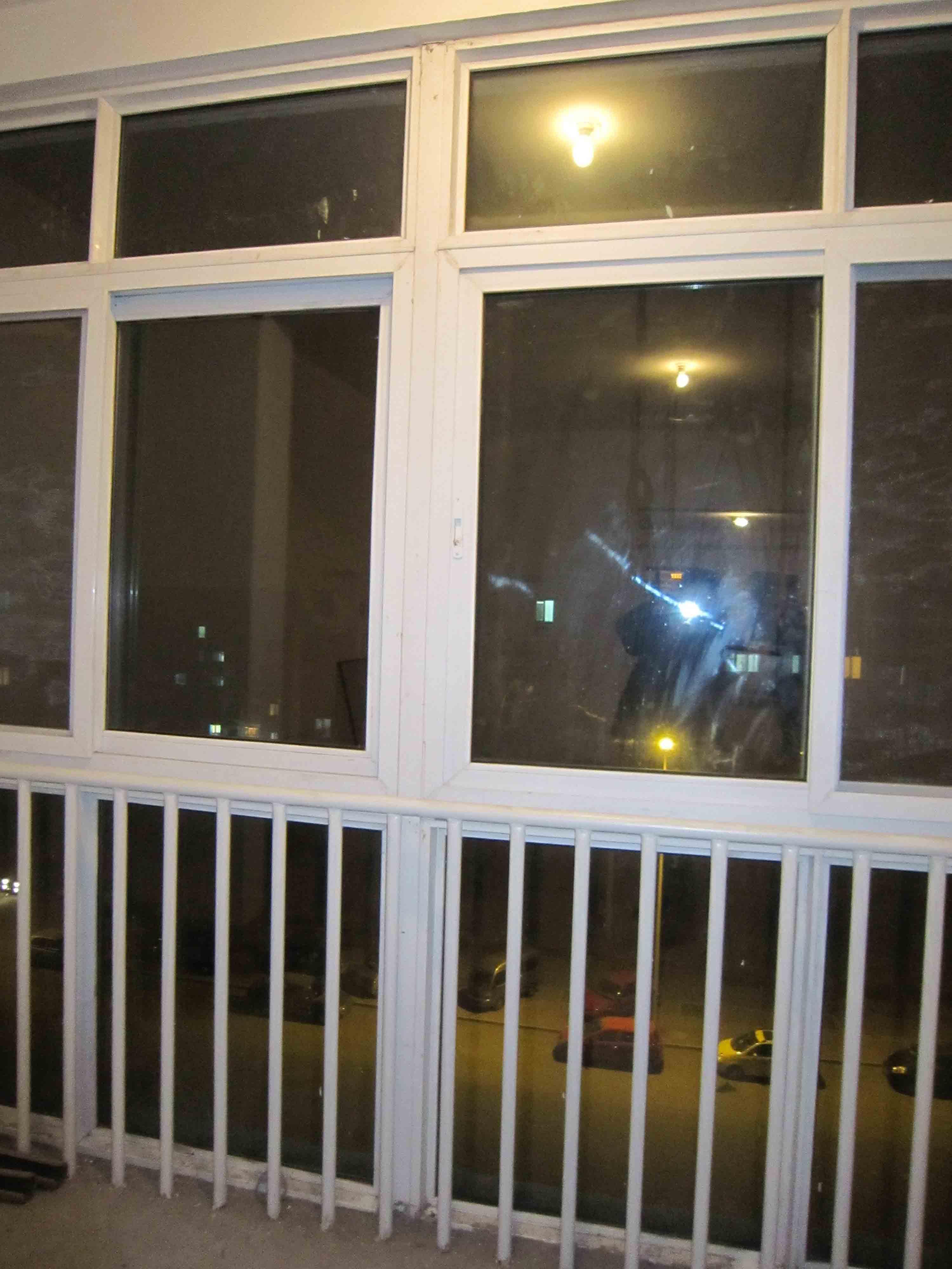 落地窗防护栏杆效果图