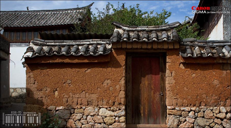 石块土坯木材灰瓦,纯天然材料的建筑已经不多了