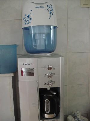转:安吉尔饮水机,带过滤桶的