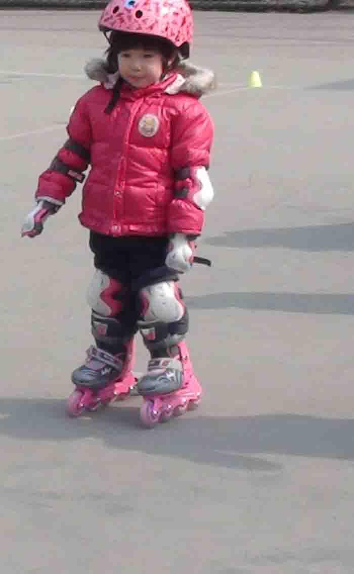 儿童初学轮滑教程视频