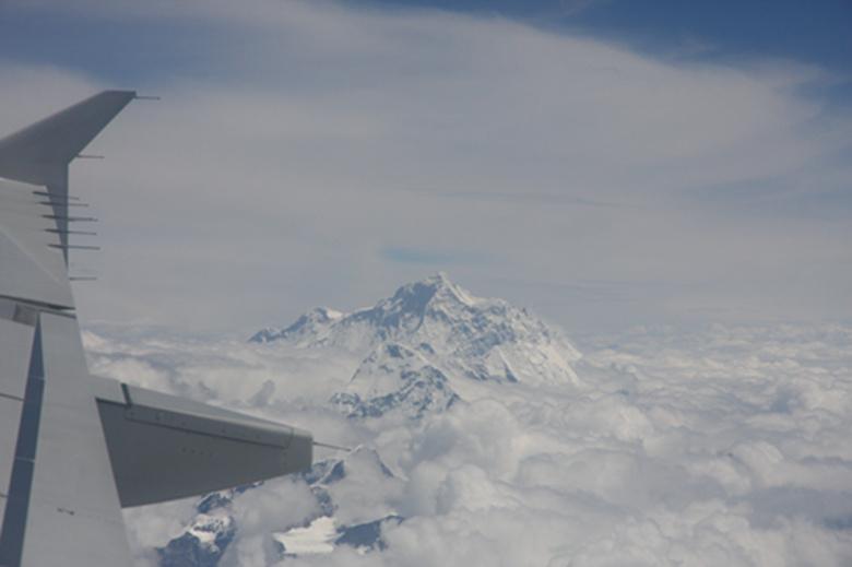 飞机上拍的珠峰照片