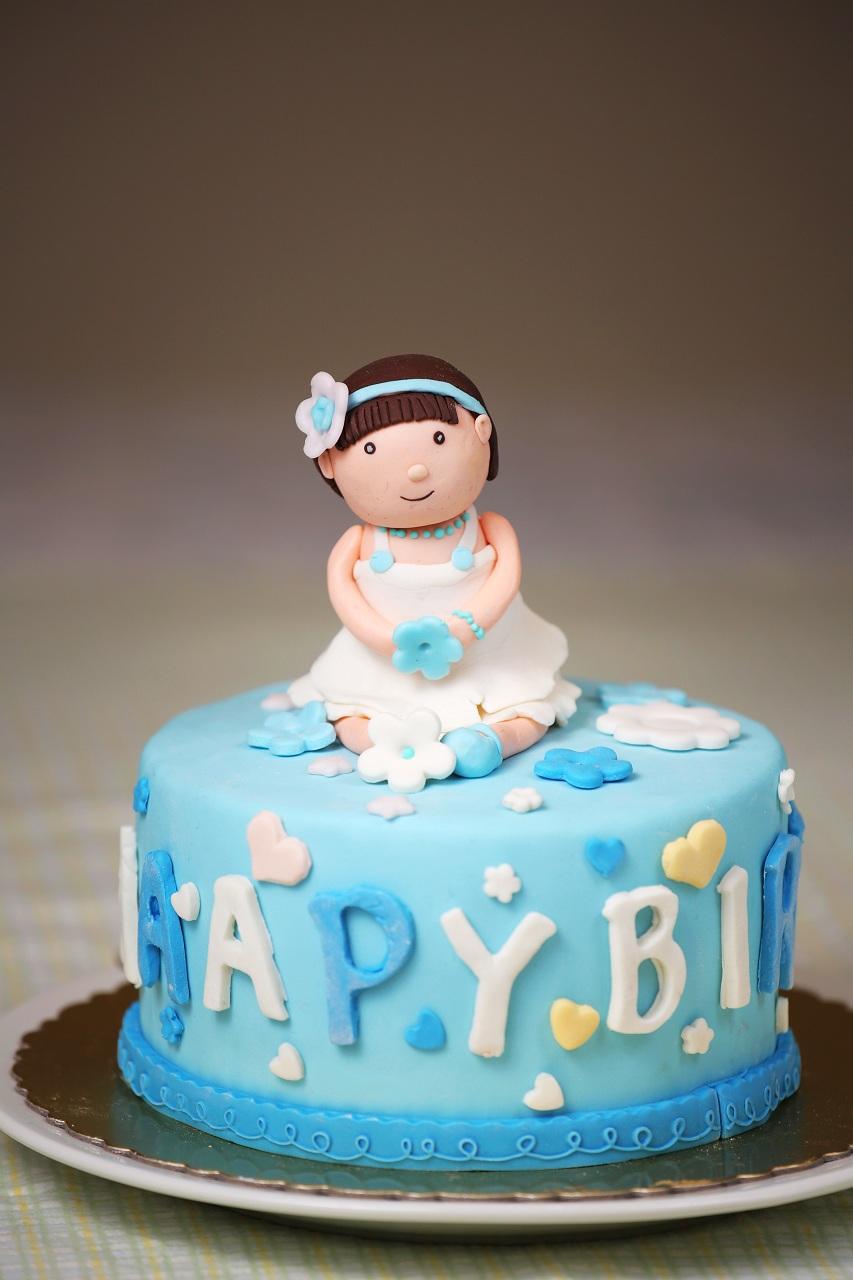 翻糖蛋糕--可爱小女孩