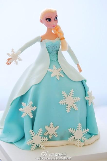 翻糖蛋糕—冰雪奇缘艾莎公主