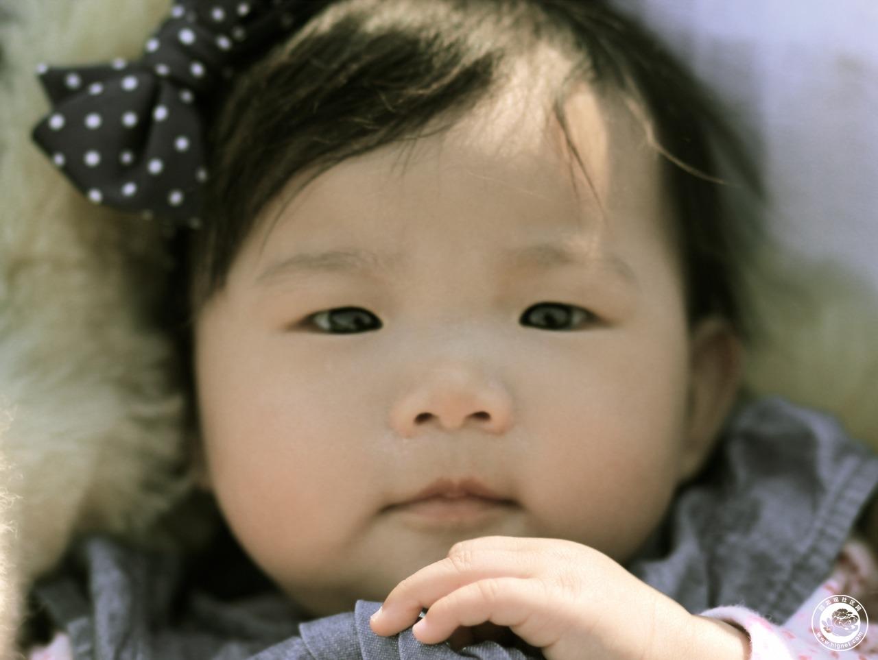 小孩哭图片头像可爱