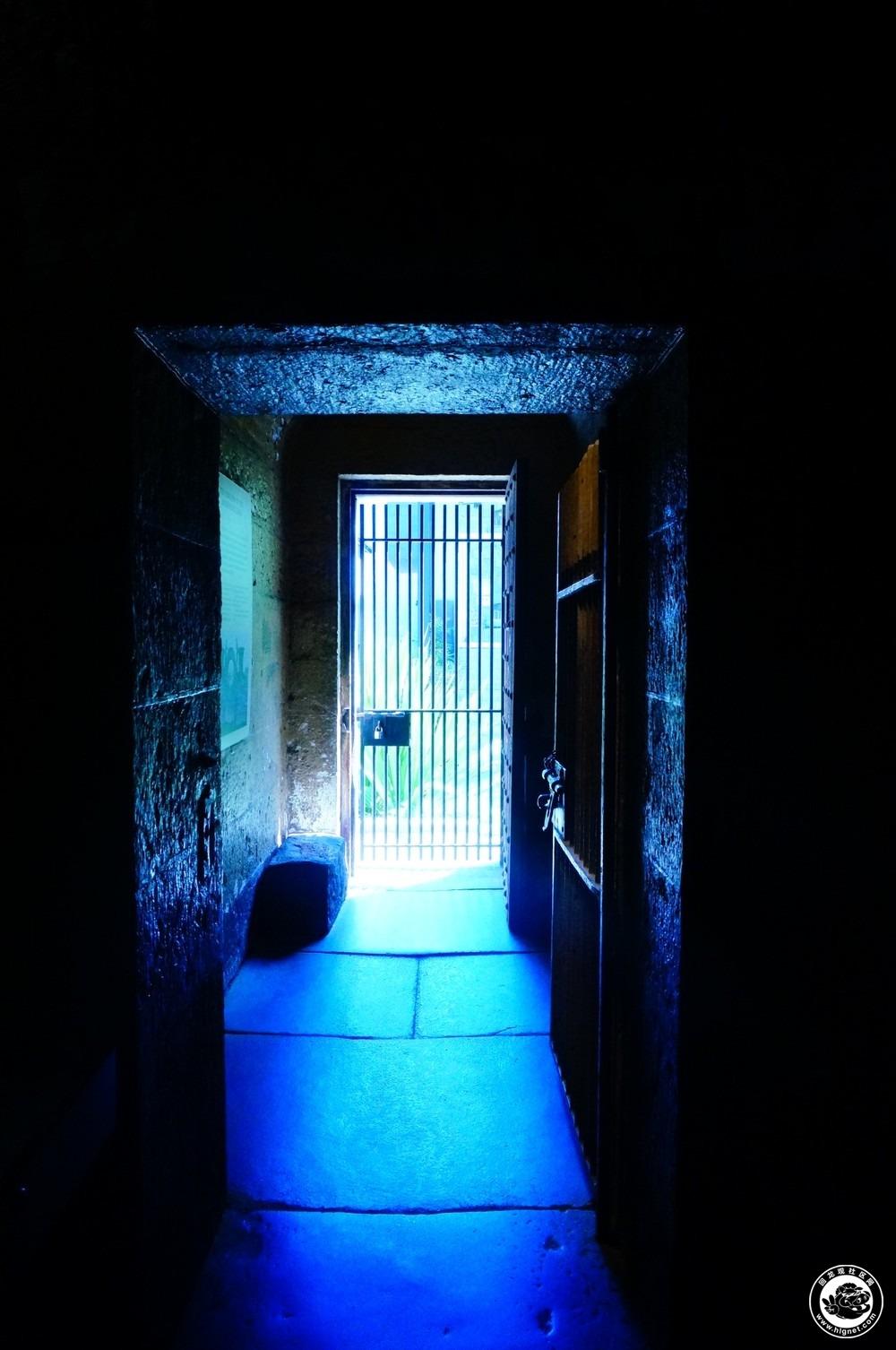 监狱身高拍照背景素材