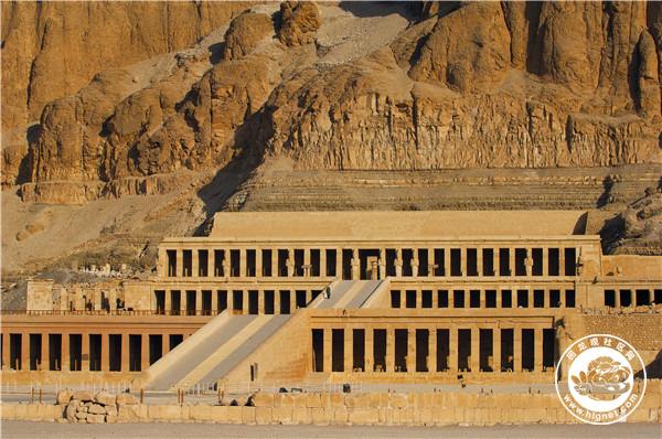 埃及, 卢克索, 西岸, 底比斯墓地, Medinet Habu 神庙 of Ramses III4.jpg