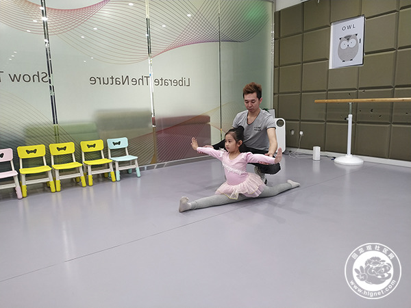舞蹈课小小.jpg