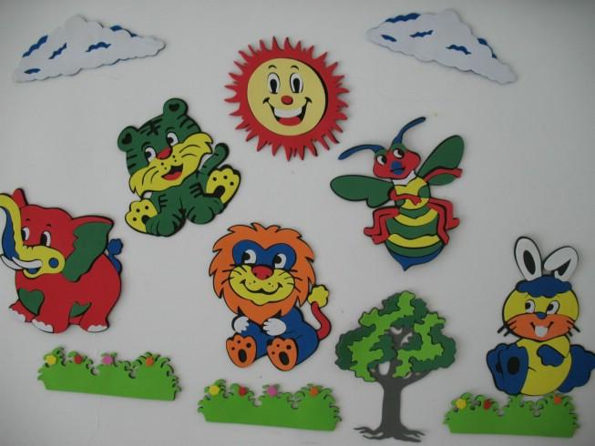 宝宝房间的卡通立体动物墙贴画
