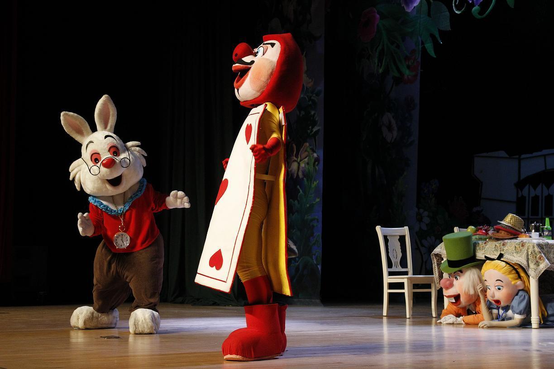 儿童剧票11月爱丽丝12月木偶奇遇记