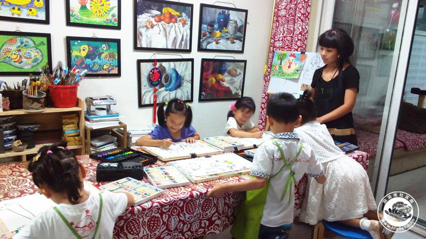 幼儿画室布置图片_儿童画室装修效果图
