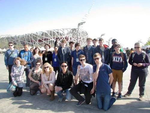 华文学院回龙观校区迎接英国中学生文化之旅(图)图片