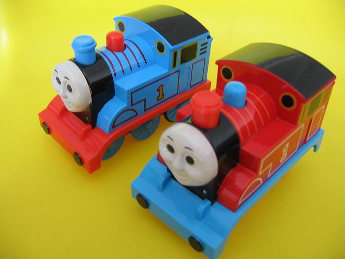 橡皮泥制作火车步骤
