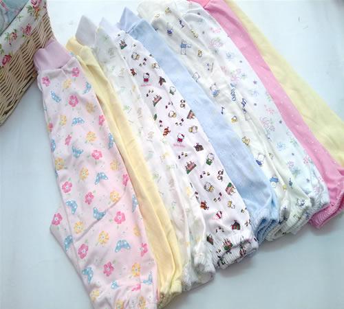 女童花边袜3.5元婴儿保暖裤3.9元