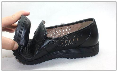 商场三折起的哈森女凉鞋和男凉鞋