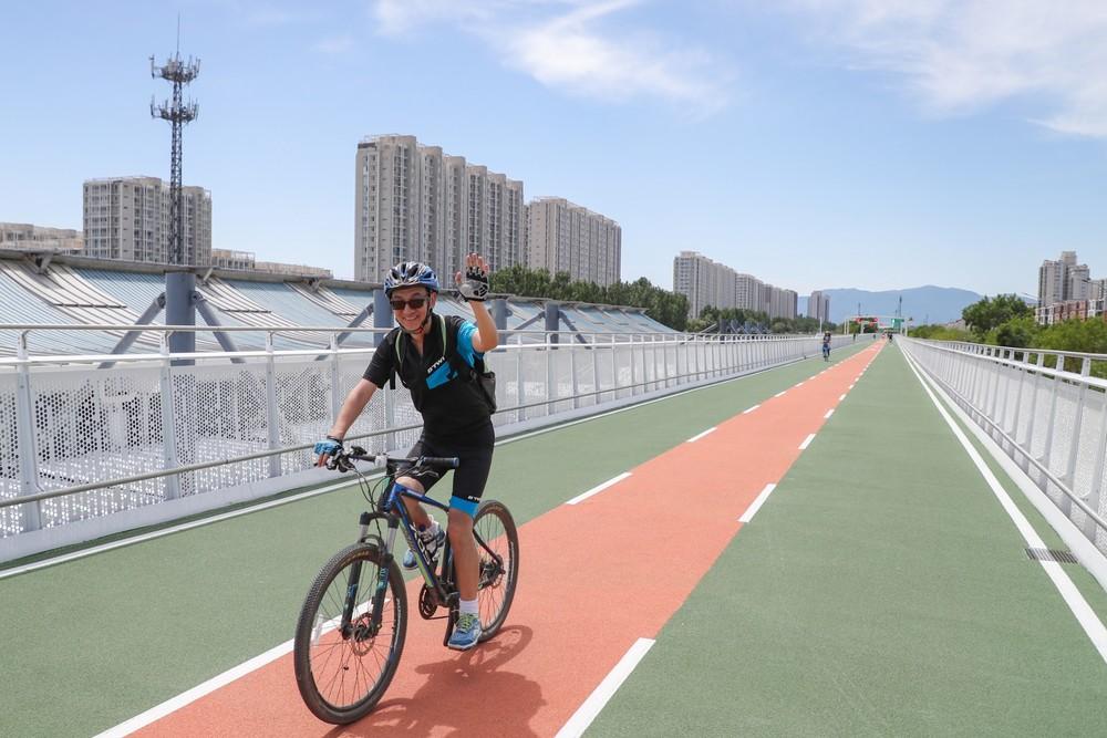 三等奖作品名称:你好,自行车专用路 作者:康书源.JPG